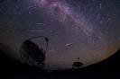 Perseidas en el ORM con los telescopios MAGIC durante la noche del 11 al 12 de agosto de 2016. Crédito: Daniel López/IAC